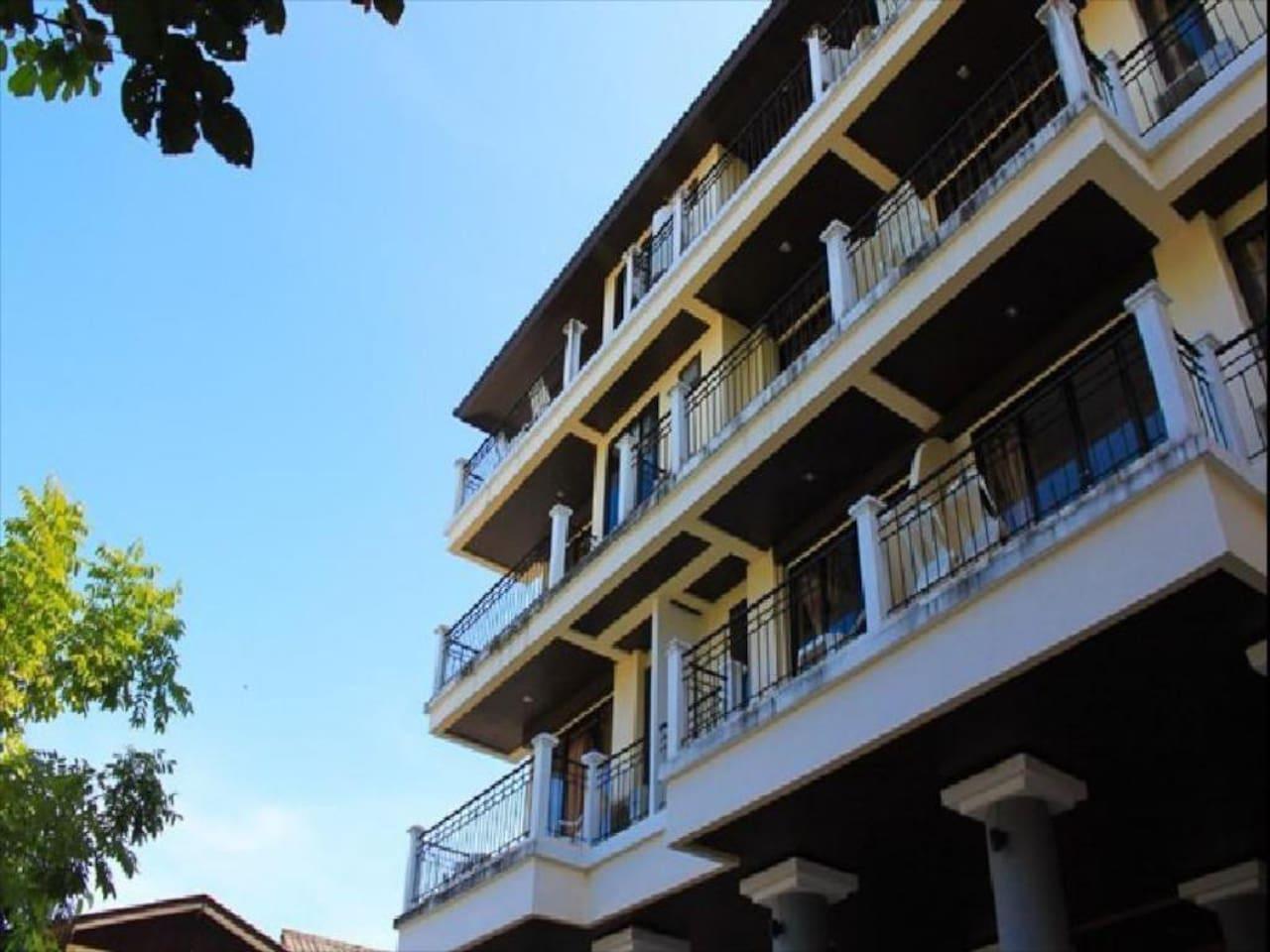 Double Room Deluxe with balcony 5 1 ห้องนอน 1 ห้องน้ำส่วนตัว ขนาด 30 ตร.ม. – หาดเฉวง