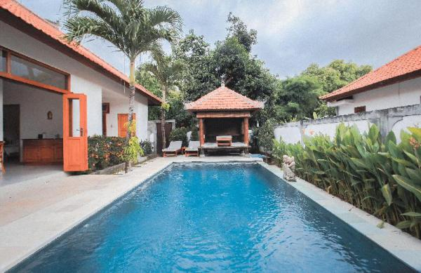 Amazing 3 Br Villa with Private Pool at Lovina Bali