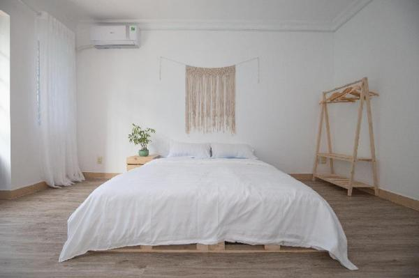 Akoma Homestay-Santorini Single Room (1 Queen Bed) Ho Chi Minh City
