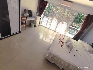 Two bedroom private room + balcony pool view บ้านเดี่ยว 2 ห้องนอน 2 ห้องน้ำส่วนตัว ขนาด 40 ตร.ม. – ป่าตอง