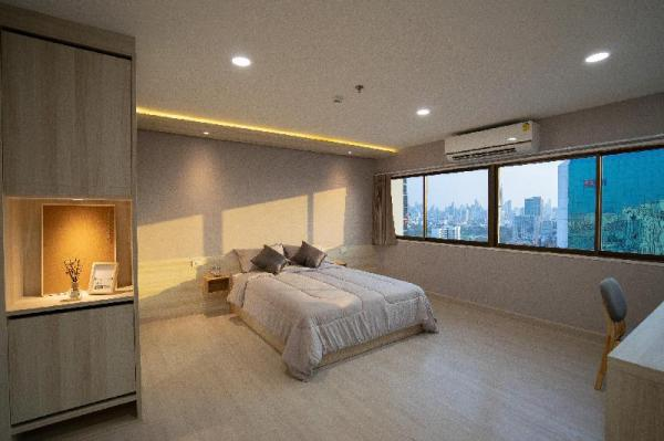 Brand new 70 SQM room -Only one step from BTS Ari Bangkok