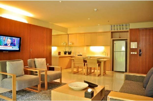 1 BR Luxury Haven Suite Room Breakfast kitchenette