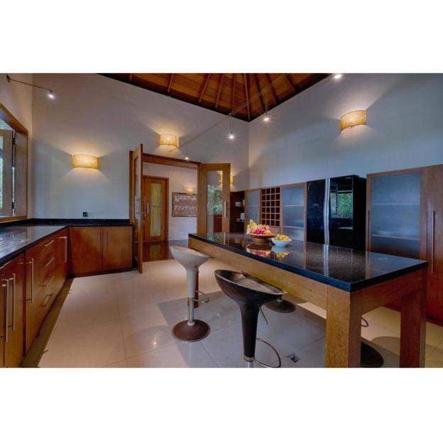 5BR Stunning  Private Pool Villa with Breakfast