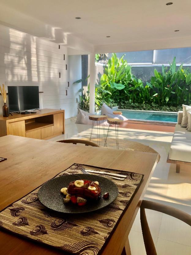 Tropical Romantic Villa Seminyak Petitenget