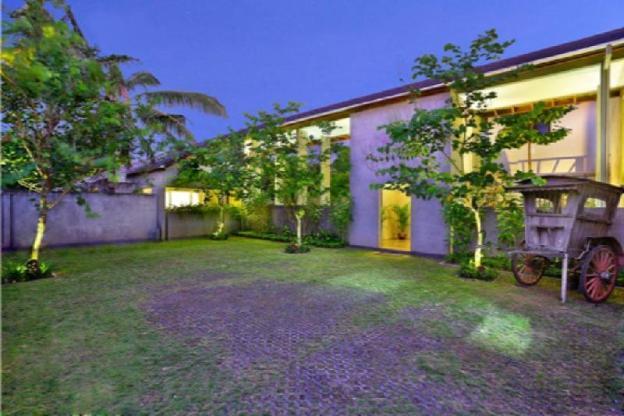 4BR Stunning Villa with 10 Minute Walk to Beach