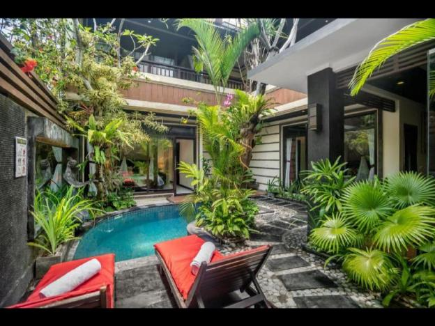 Four-Bedroom Villa with Private Pool - Breakfast