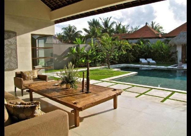 Luxury and Stunning 8BR Private Pool Villa