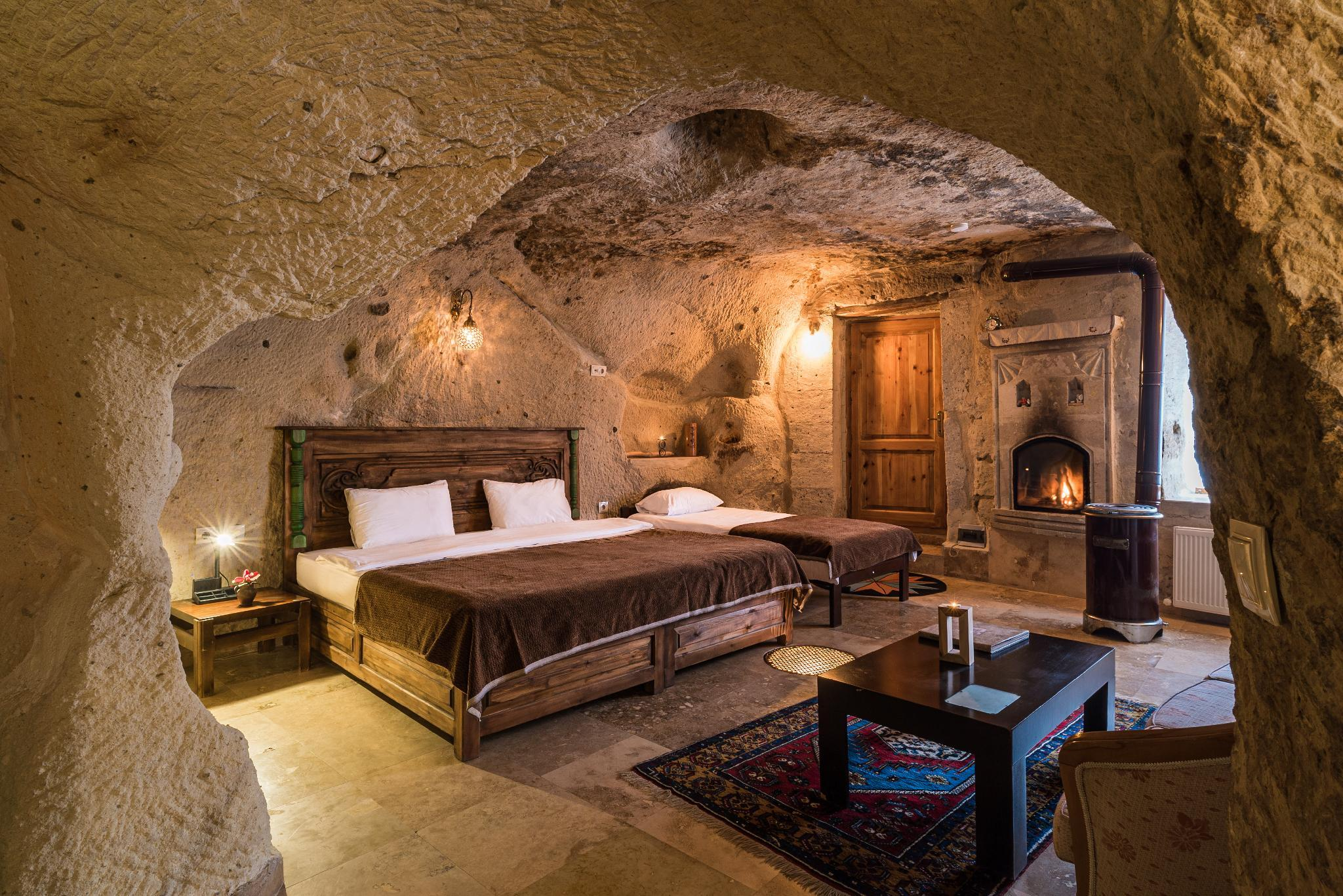 Romantic Cave Room With Fireplace (ROOM1)