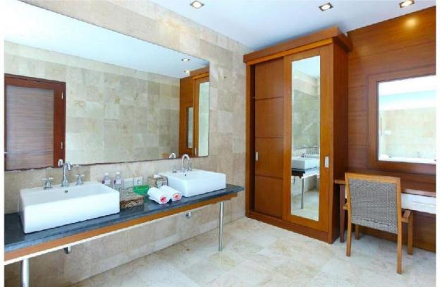 The Gorgeous Junior Suite Room - Breakfast