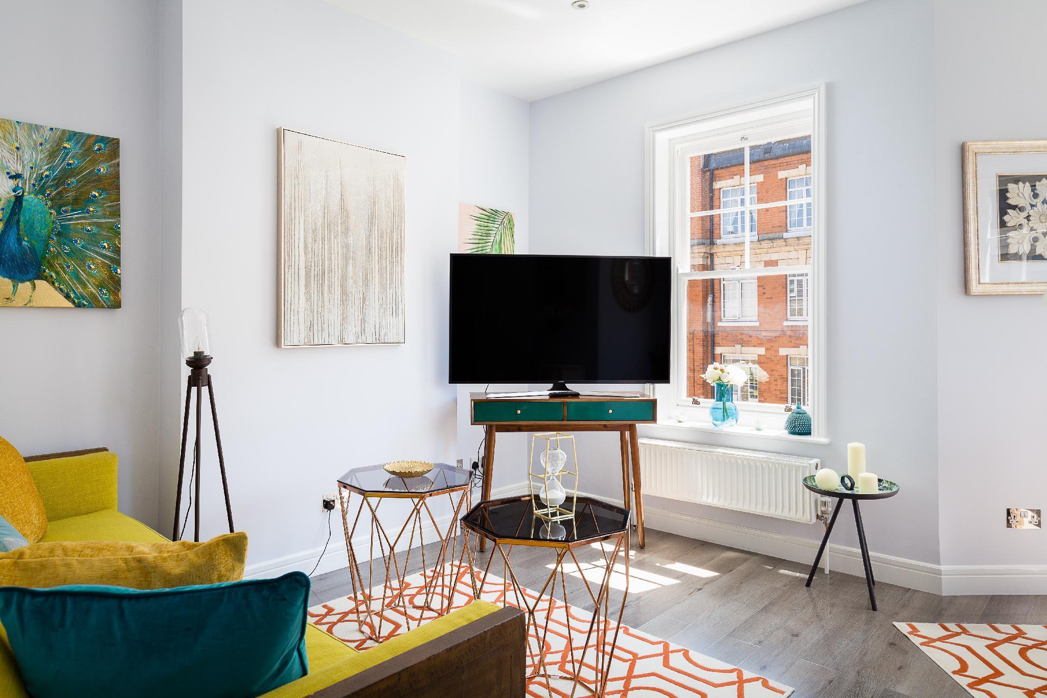 Luxury 1-bedroom suite next to Oxford street