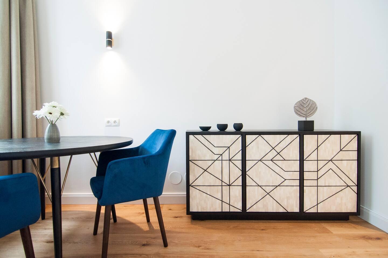 Relax in a Luxurious, Modern home near Belvedere