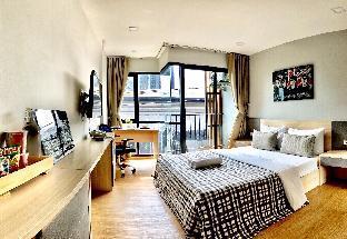 Minimalistic Room with private bathroom balcony6