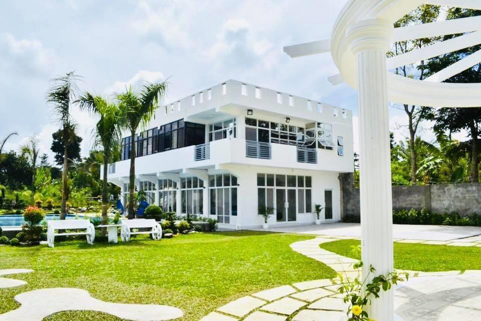 Exclusive Private Villa Mendez - Tagaytay Resort