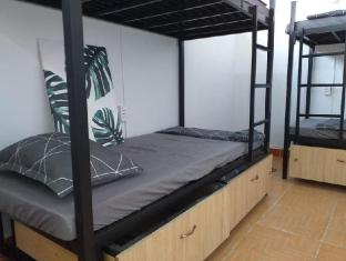 Green House Simple Hostel near Airport - Ho Chi Minh City