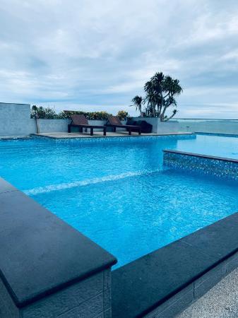 Beach 20 meters villa 4 bedrooms hot price 78 # Pattaya