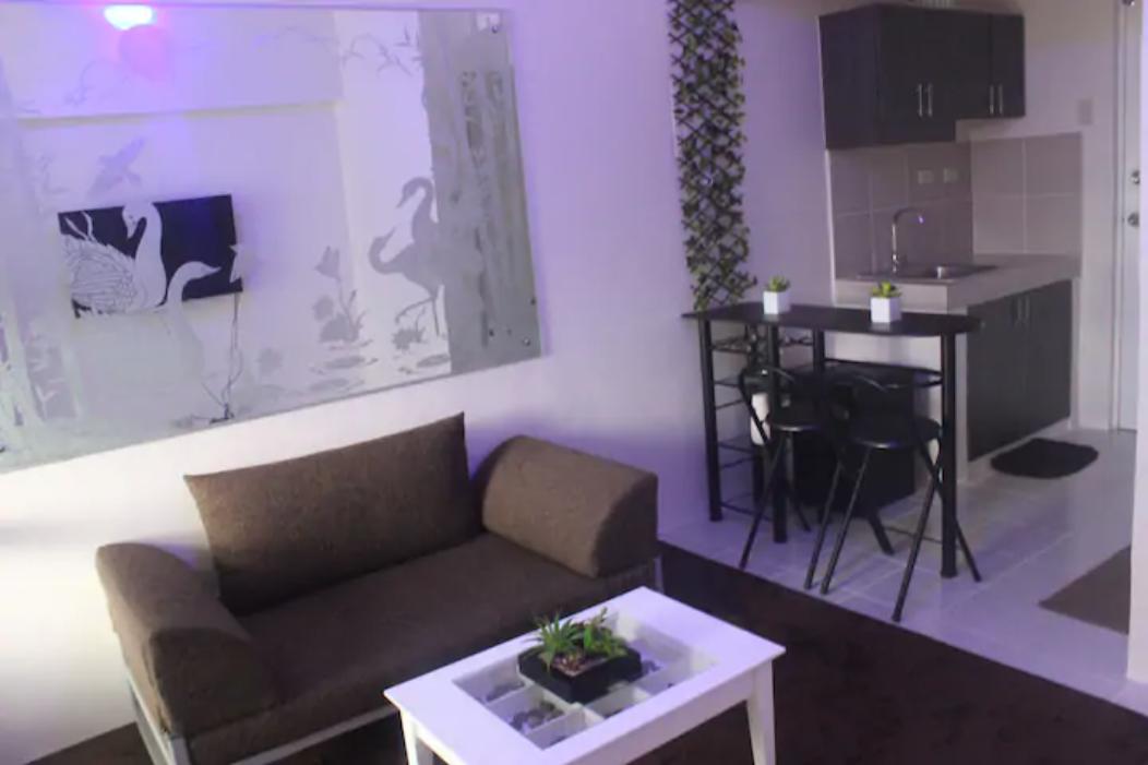 Precious Suites-2 (Brandnew Condotel Tagaytay)