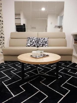 EVO 4 Black & White Suite