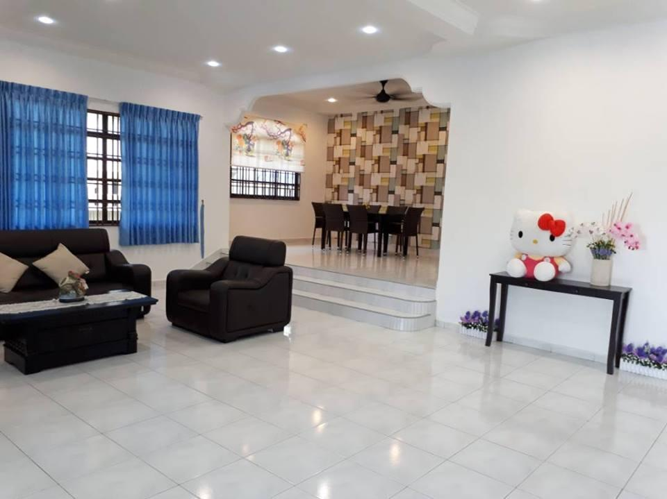 Kluang Happy Home Stay@ Big House