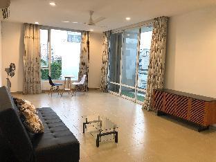 Cozy & Luxurious Getaway  Balcony View  District 1