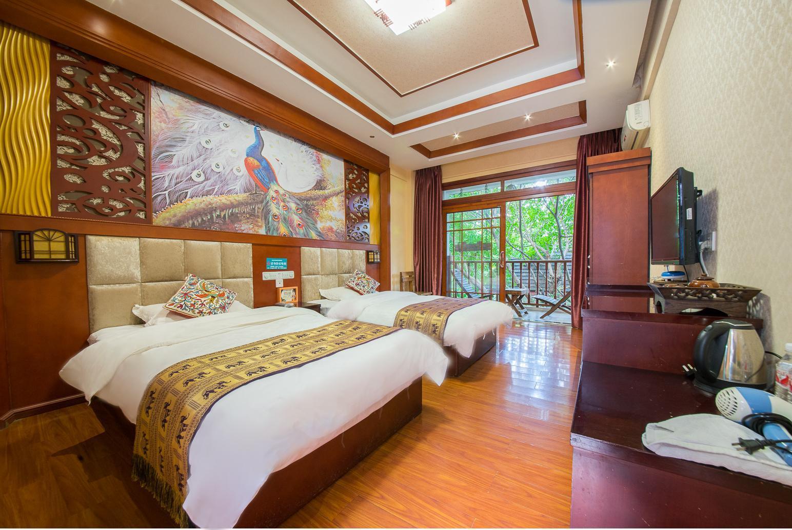 Deluxe Balcony Double Bed Room