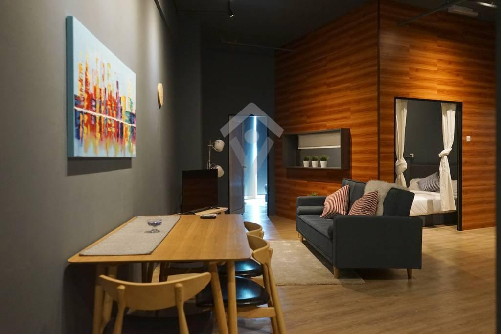 Cozy Modern 2 Bedrooms Condo With KLCityView