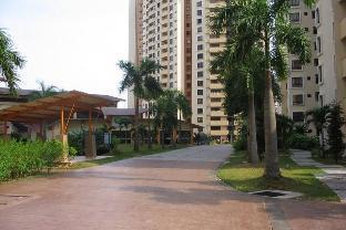 Room @ Palm Spring Condominium