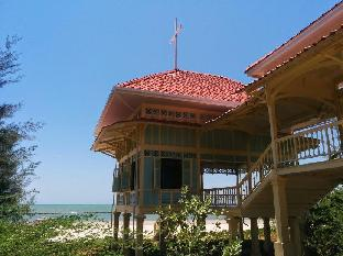 BiG Coconut Ploentalay Condo @ beach front Huahin