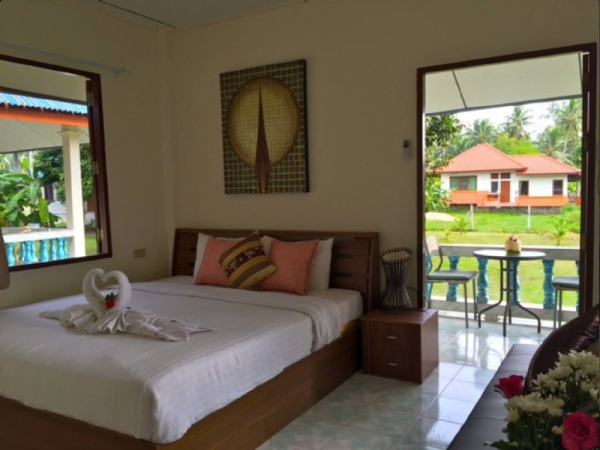 Seafront bungalow getaway Koh Samui