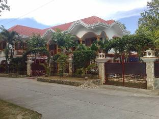 picture 1 of AJ Family Vacation Home