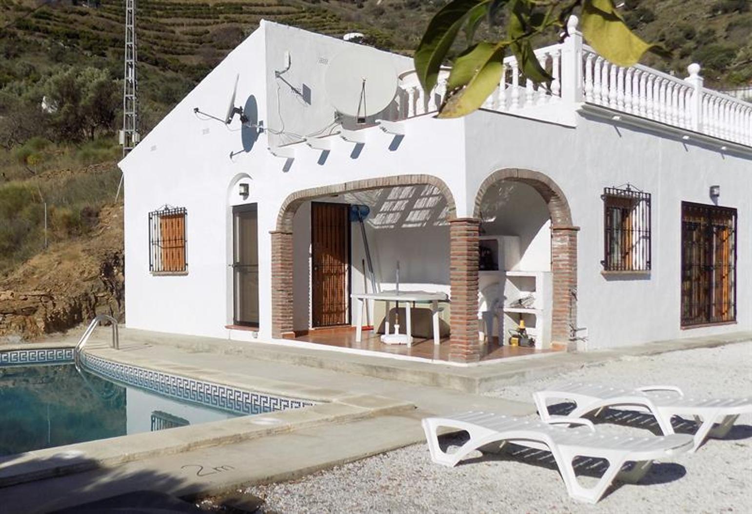 Peaceful Villa With Private Pool Near Competa