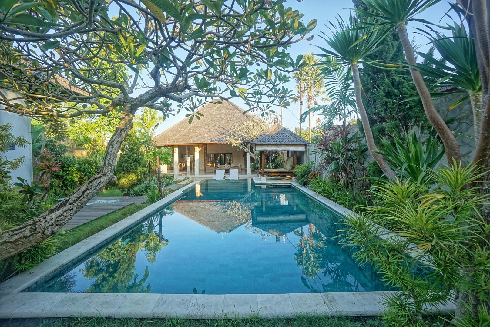 NEW! 3BR Huge Villa with huge pool - PROMO RATE!!! Reviews