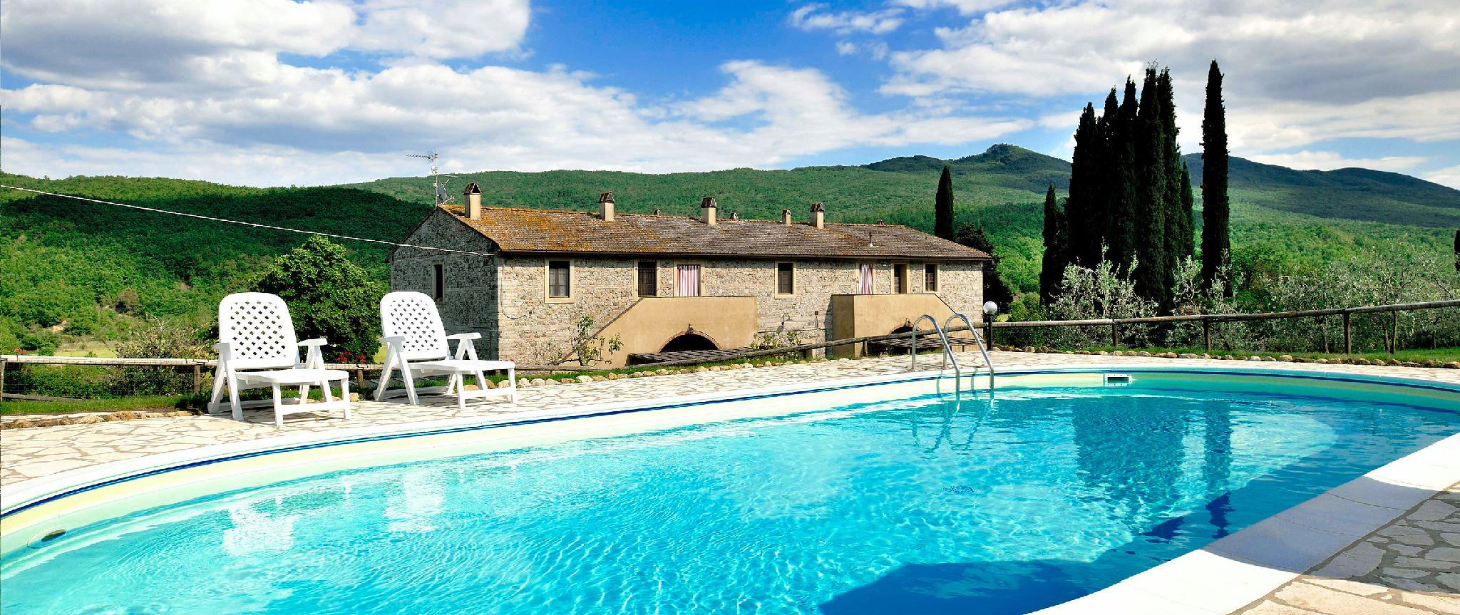 Farmhouse Apartment In Tuscany Suitable For 4