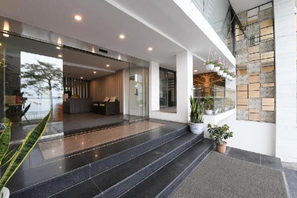Romantic Apartment With LakeView Hanoi