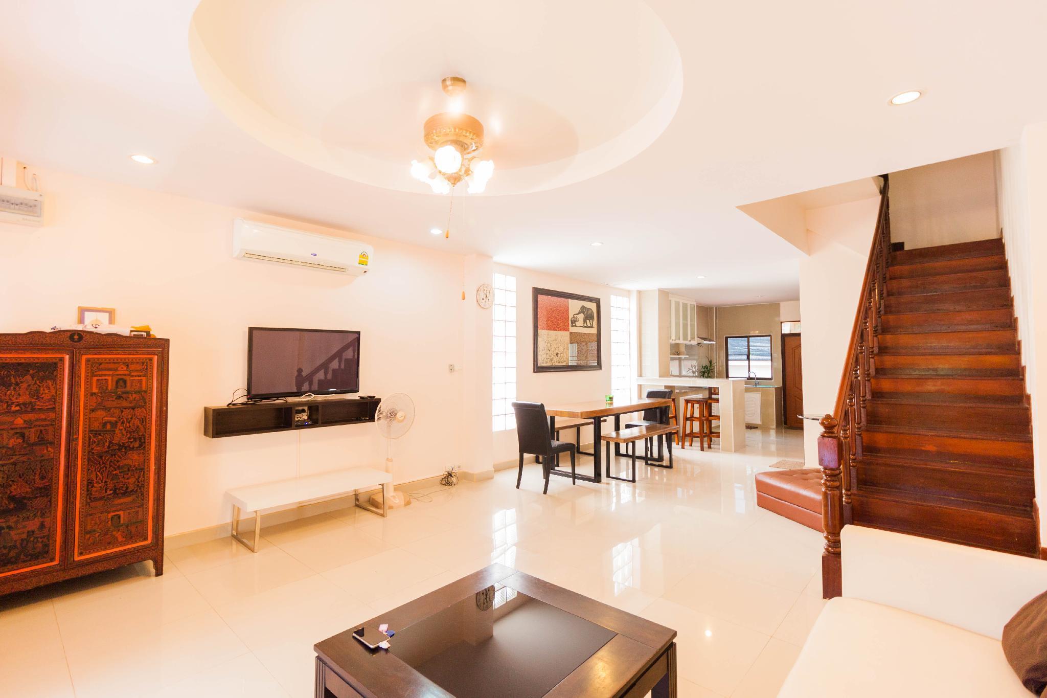 Pratumnak Town Villa By Pattaya Sunny Rentals