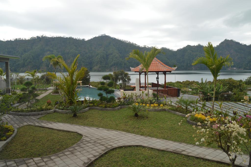 2 Villa Jempana Kintamani Front Lake Double Room