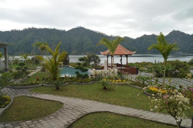 #2 Villa Jempana Kintamani-Front Lake Double Room