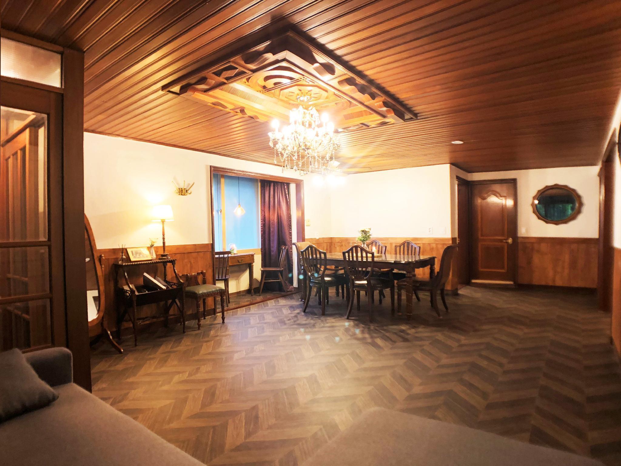 Luxury Antique House in Hongdae/3BR/2BA/PocketWiFi