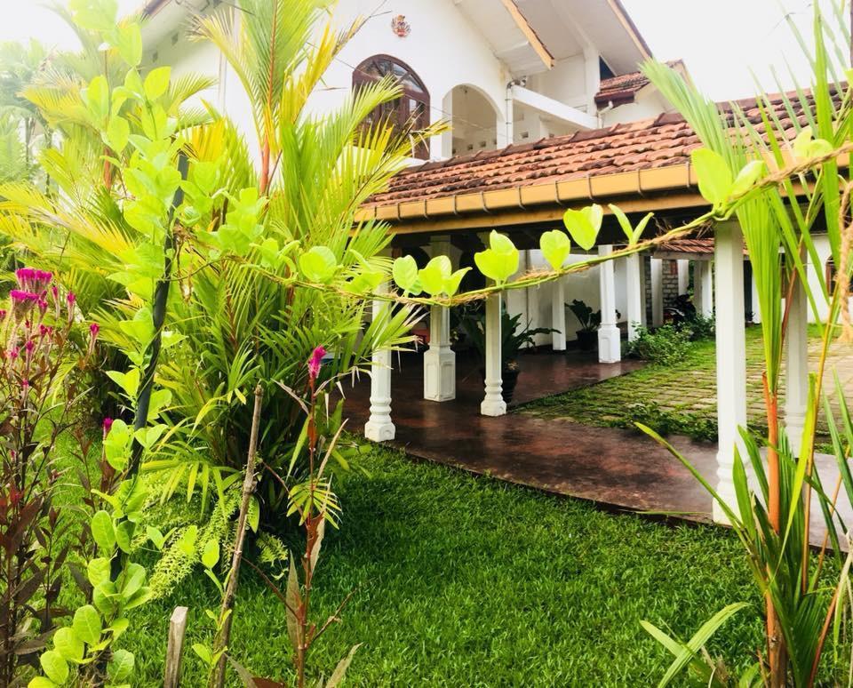 Sunnys Guest House Akurala Kahawa