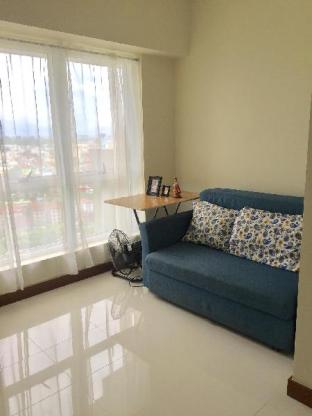 picture 2 of Spacious and Relaxing 1-bedroom Condo Unit