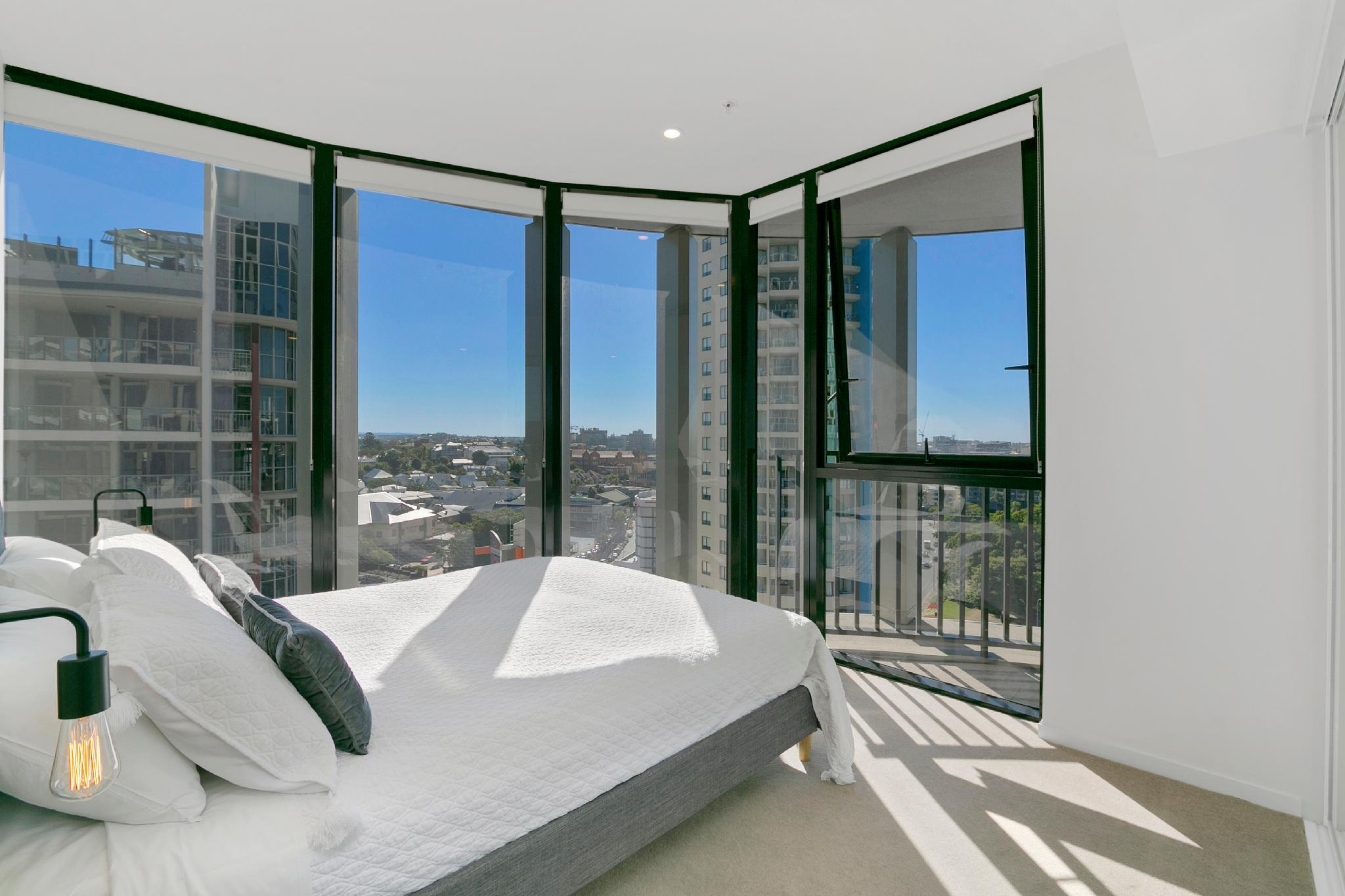 Stay In Style   Luxury CBD Apartment
