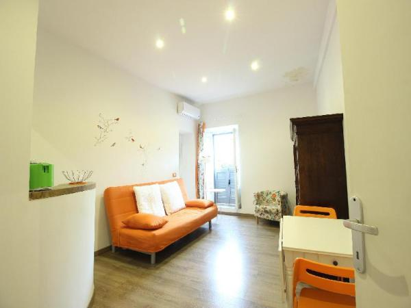 Spanish Steps View Apartment S & AR Rome