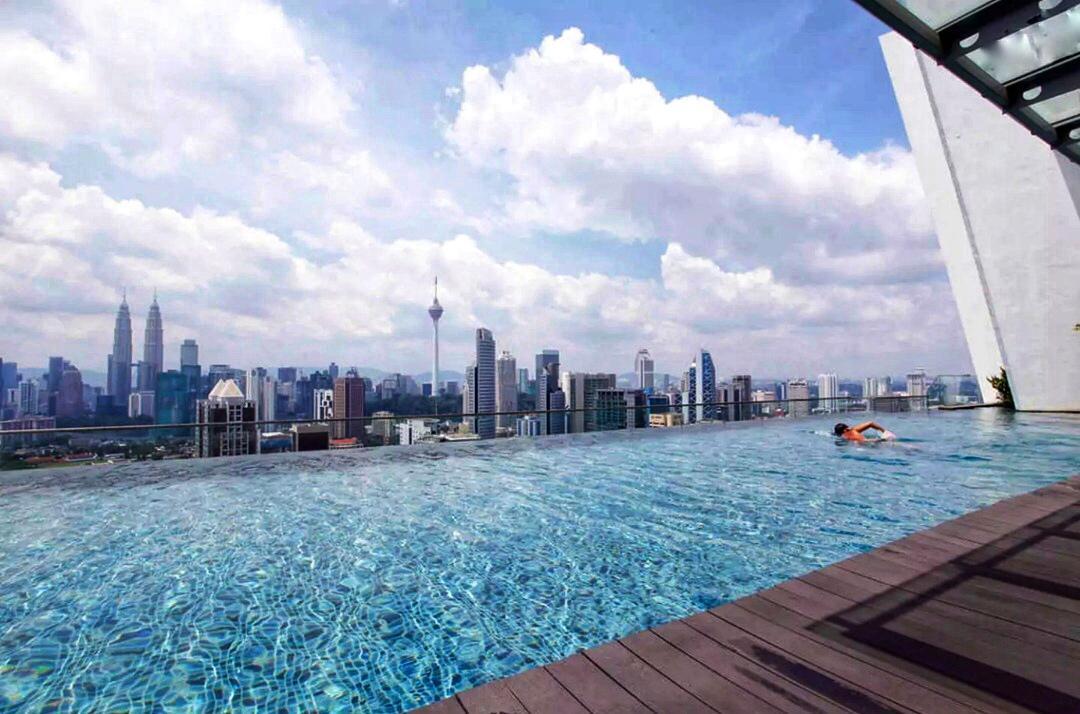 Regalia Suites KLCC Infinity Pool Cozy Homestay
