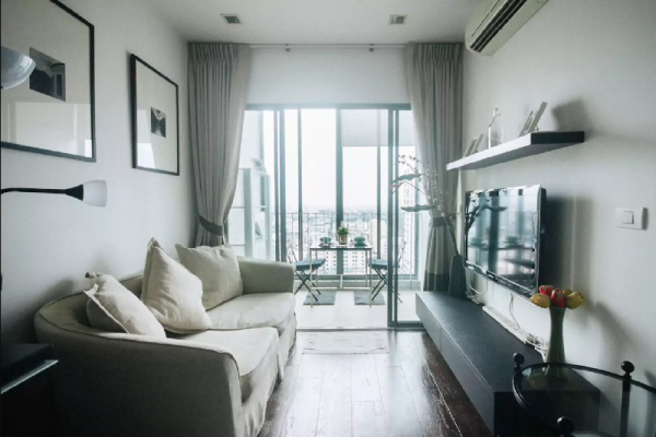 Luxurious 1BR on 20th fl. @BTS Airport Rail Link Bangkok