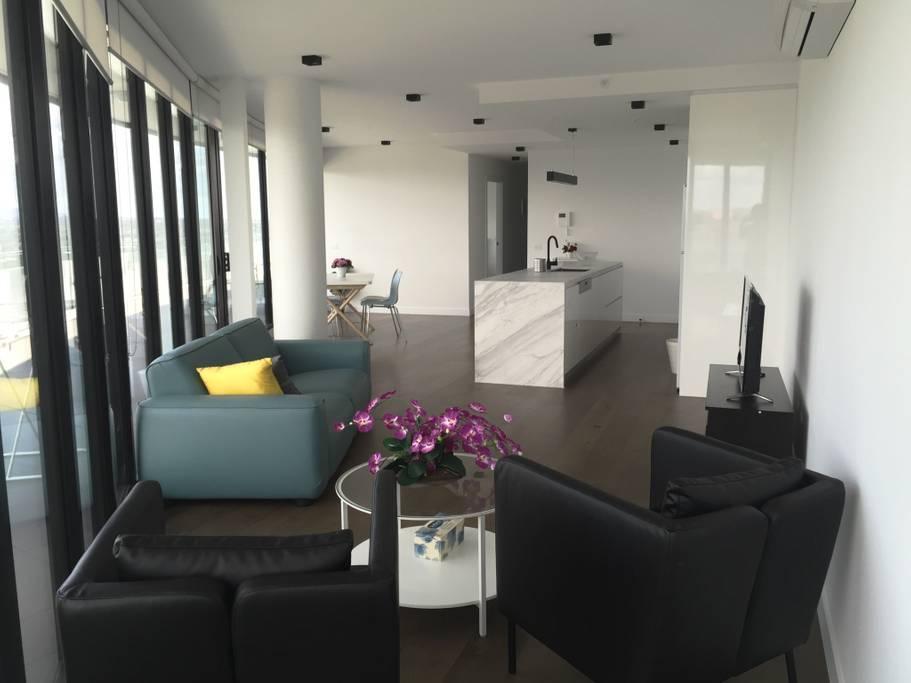 Contemporary Executive Lifestyle Apartment