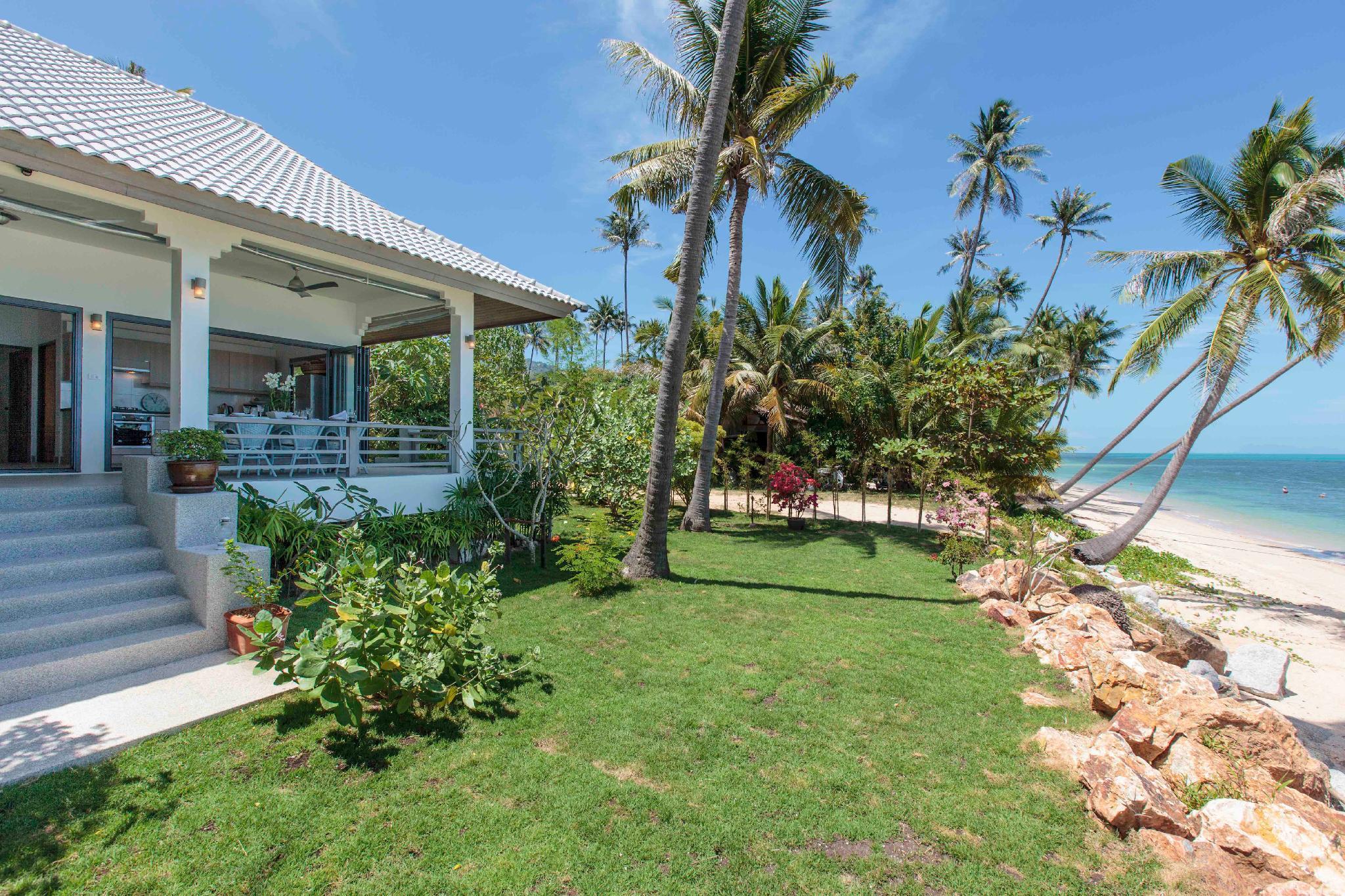 Tradewinds Beach Front House 2 BDRM Tradewinds Beach Front House 2 BDRM
