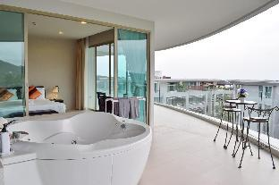 2 Beds Seaview with Jacuzzi on Balcony 2 Beds Seaview with Jacuzzi on Balcony