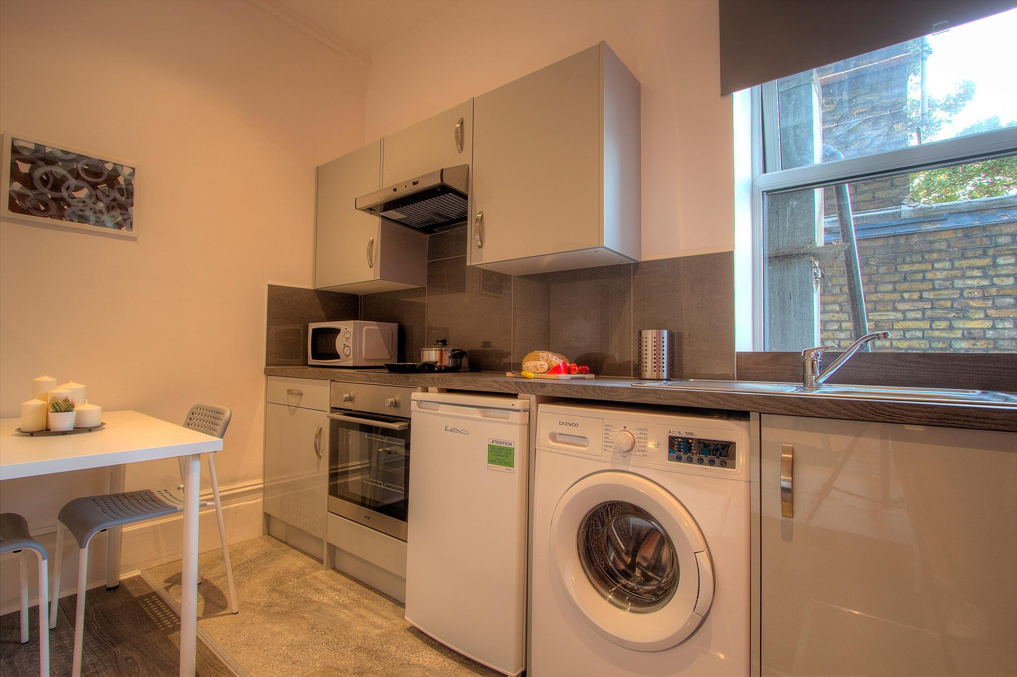 Studio close to central London #RED B Reviews