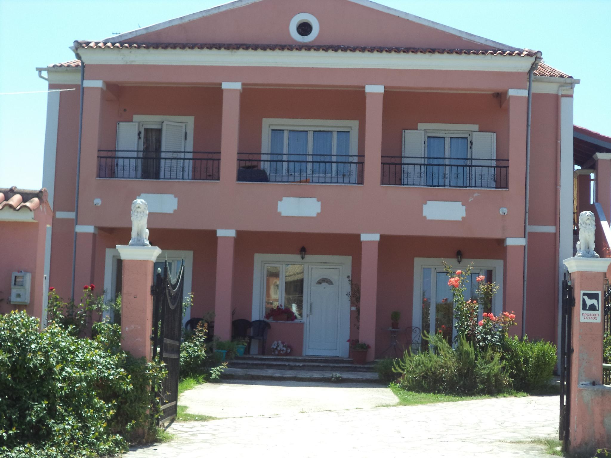 KAROUBIS COUNTRY HOUSE IN CORFU