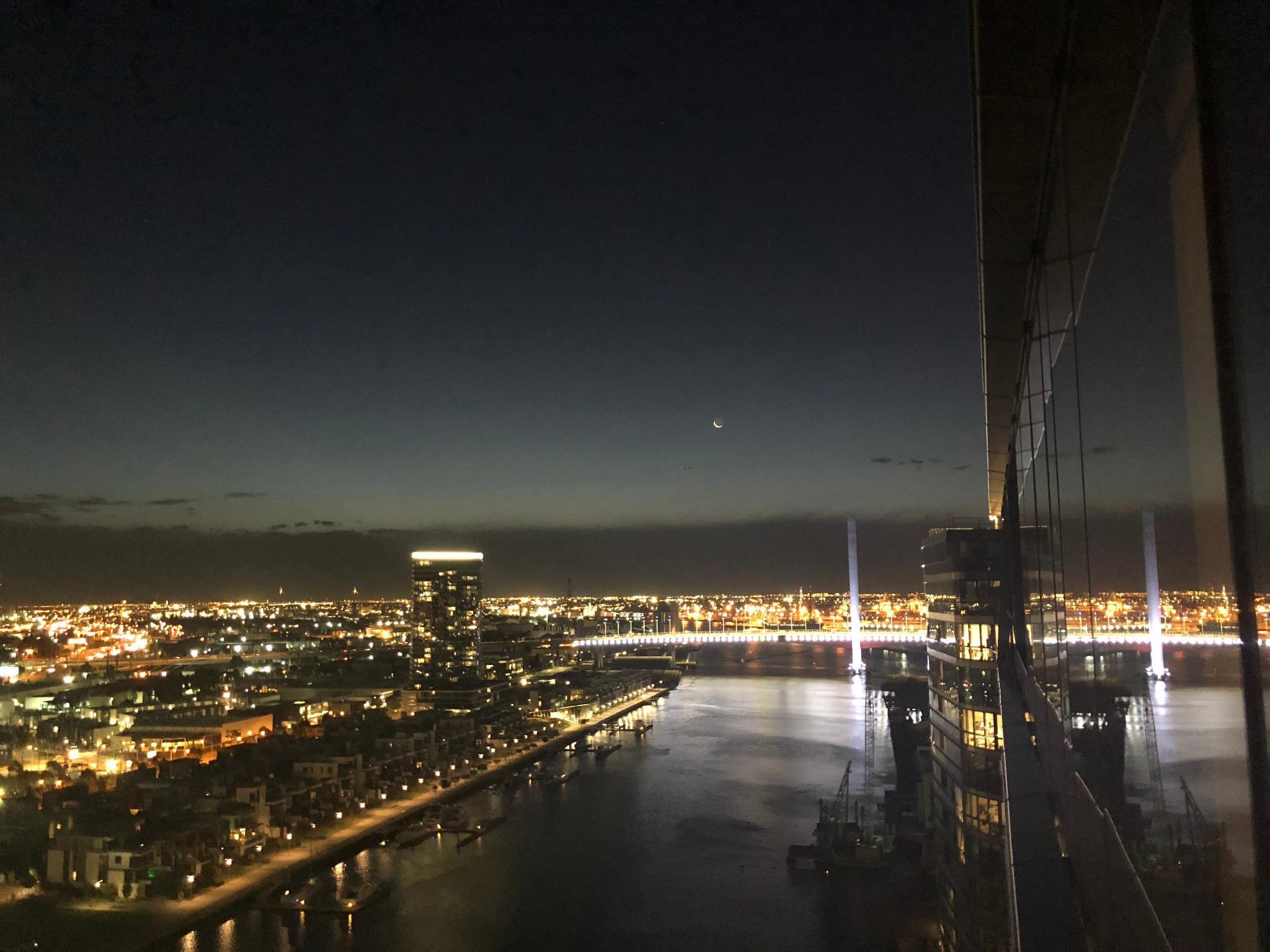 Stylish Apartment Excellent Harbor Views
