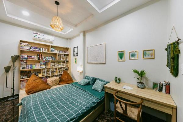 Amhaus Home Cafe !Whole Floor! Cozy Town Villa!  Ho Chi Minh City